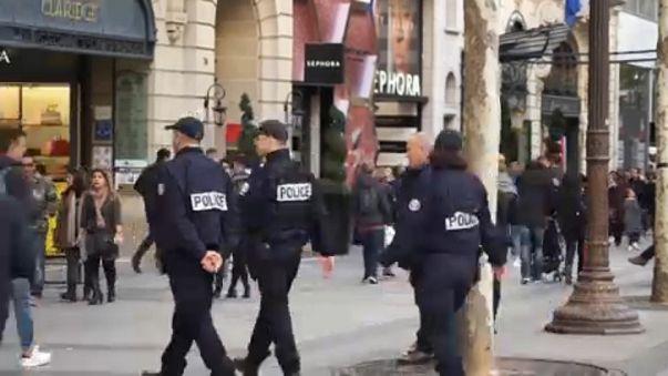 Biztonsági készültség a francia utcákon