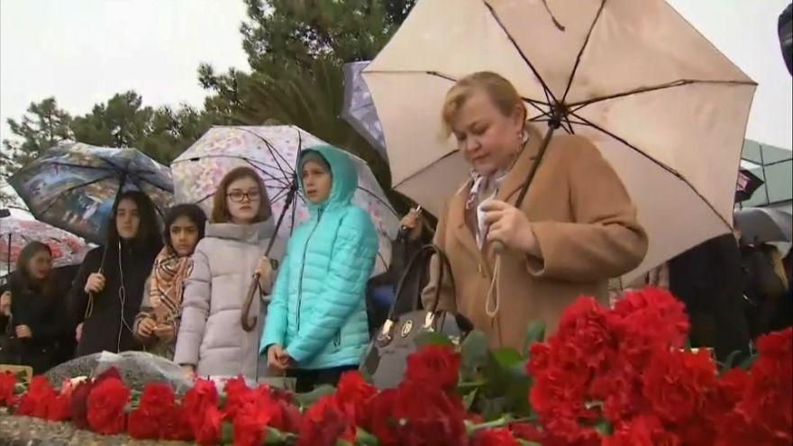 Trauer in Sotschi ein Jahr nach Flugzeugabsturz