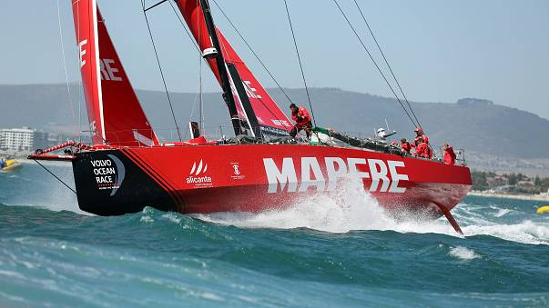 El 'Mapfre' entra en Melbourne y gana su segunda etapa consecutiva
