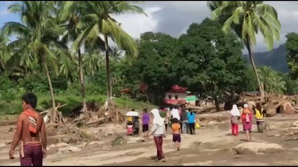 Terrible tifón deja Filipinas y se dirige hacia Vietnam