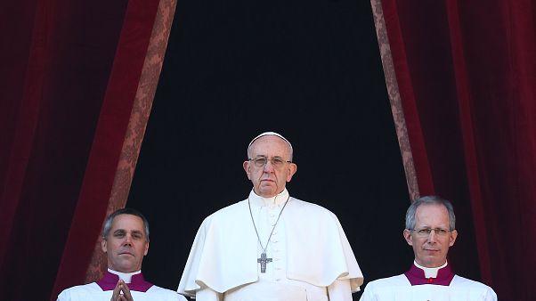 """""""Urbi et Orbi"""", il Papa parla del dolore del mondo"""