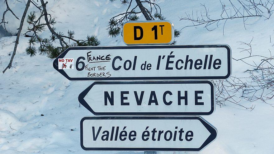 Fransız Alplerinde 150 kayakçı telekabinlerde mahsur kaldı