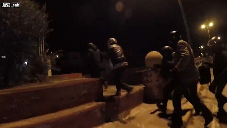 Anarquistas atacam embaixada de Israel em Atenas