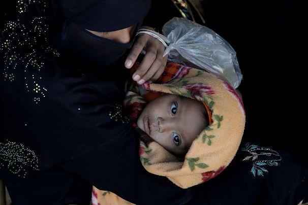 مادر و کورکی از اقلیت روهینگیا