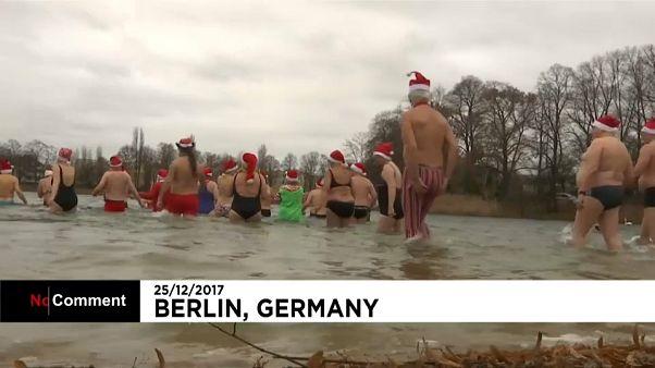 Berlin'de ilginç Noel kutlaması