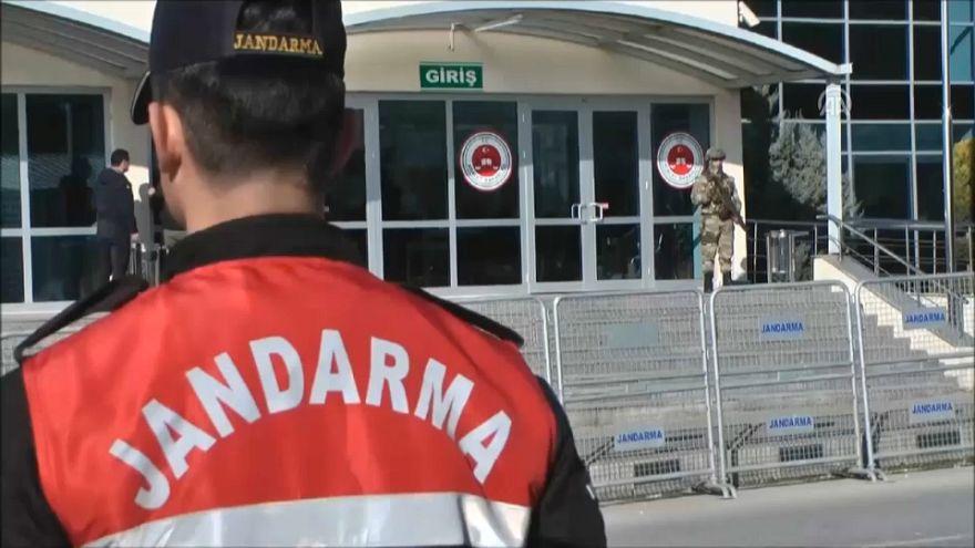 Julgamento dos jornalistas turcos sob-tensão