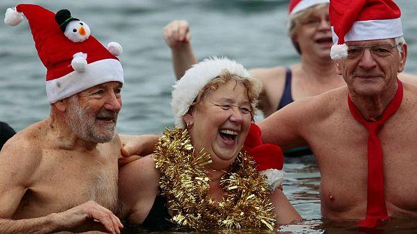 شنای زمستانی در برلین به مناسبت کریسمس