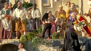 Femen'den Vatikan'da üstsüz eylem