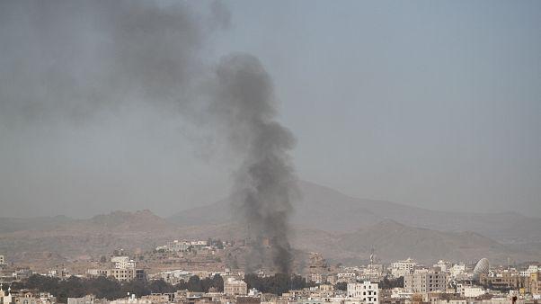 مقتل أكثر من 60 مسلحا حوثيا وجنديا مواليا لحكومة هادي