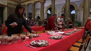 Comidas solidarias de Navidad en toda Europa contra el desamparo