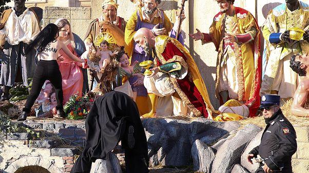 FEMEN-Aktivistin will Jesus stehlen