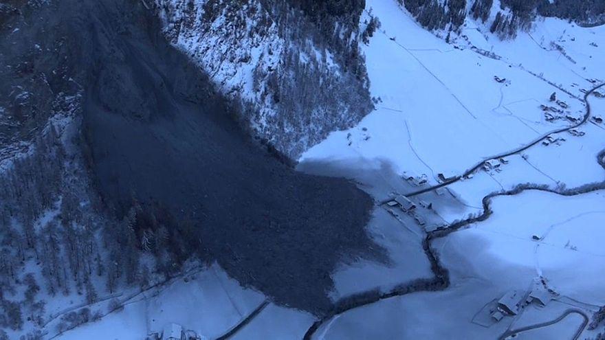 130 pessoas encurraladas devido a deslizamentos de terras na Áustria
