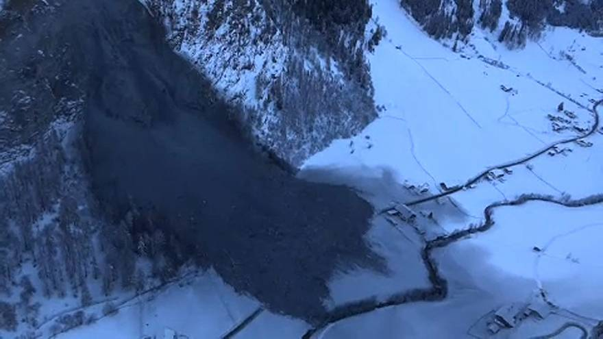 Újabb hegyomlástól tartanak az osztrák faluban