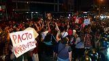Miles de peruanos protestan por el indulto a Fujimori