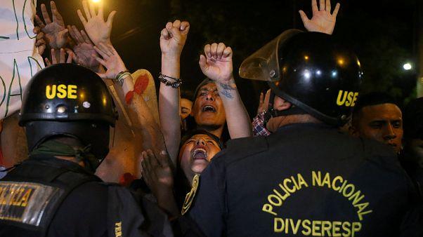 Manifestation contre la libération d'Alberto Fujimori