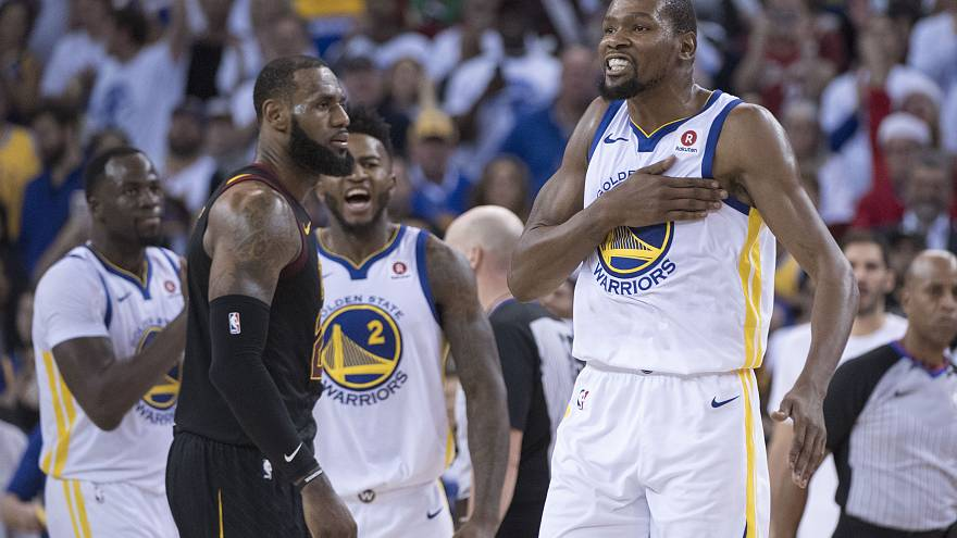 "Les Warriors remportent le ""Christmas Day"" contre les Cavs"
