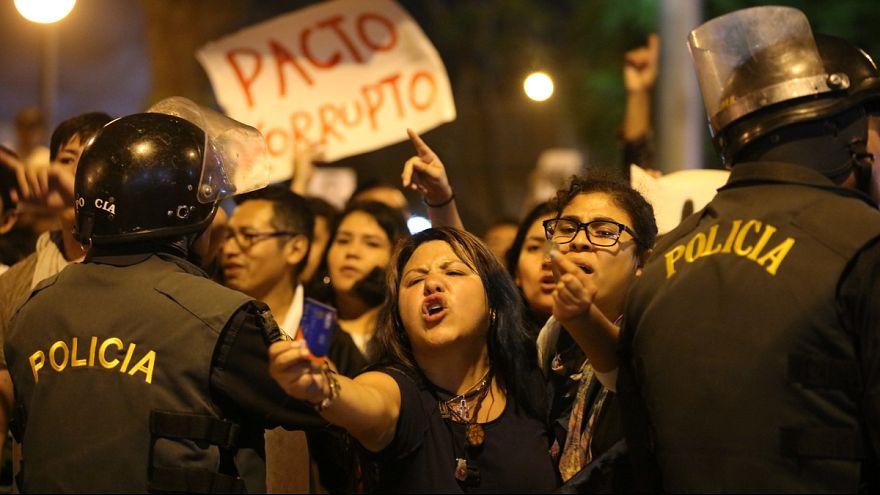 Fujimori megkegyelmezése ellen tüntettek