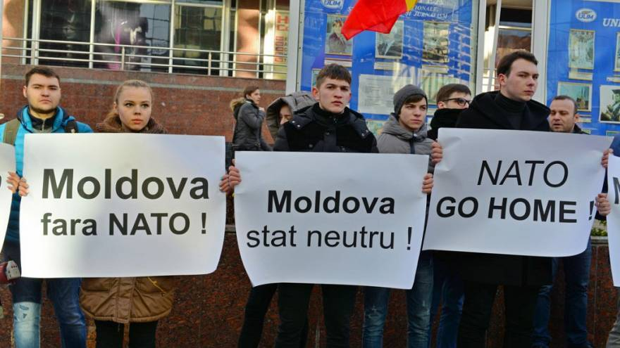 Pro-Russia Party of Socialists protest the NATO liason office in Chisnau