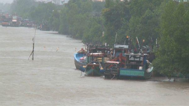 "Behörden in Vietnam: Tropensturm ""Tembin"" ist schwächer geworden"