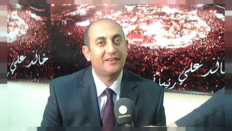 تقرير للغارديان: هل ينجح خالد علي في منافسة السيسي؟