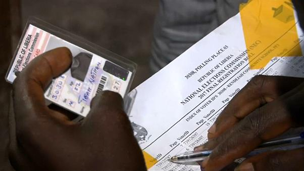 Liberians choose between experience or change