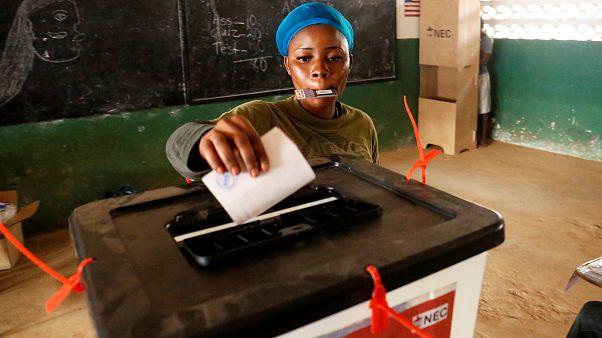 Liberianos escolhem o próximo presidente