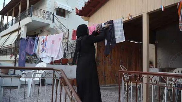 Zsúfolt menekülttábor helyett bérelt lakás