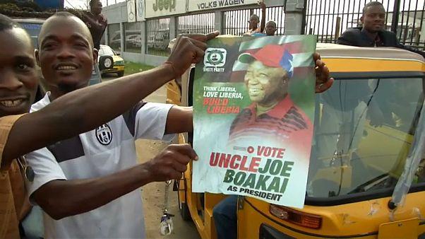 Stichwahlen in Liberia um die Nachfolge der ersten demokratisch gewählten Präsidentin Afrikas