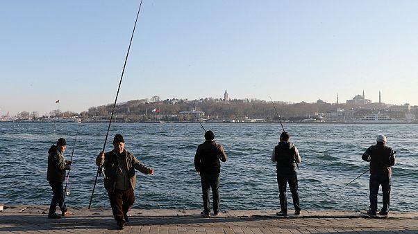 Τουρκία: 12 συλλήψεις για σχέσεις με το ΙΚΙΛ