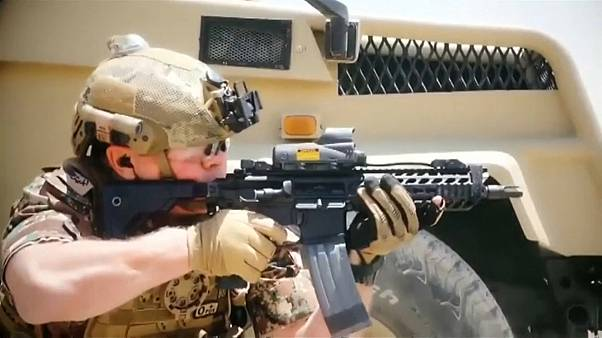 العاهل الأردني عبد الله الثاني خلال المشاركة في التدريبات العسكرية