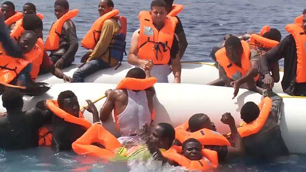 В Средиземном море спасены более 200 мигрантов