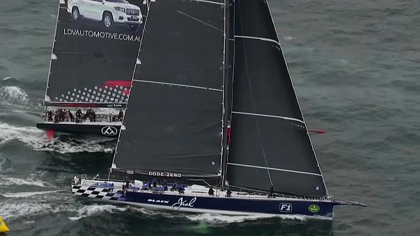 Regata Rolex Sydney-Hobart já está no mar