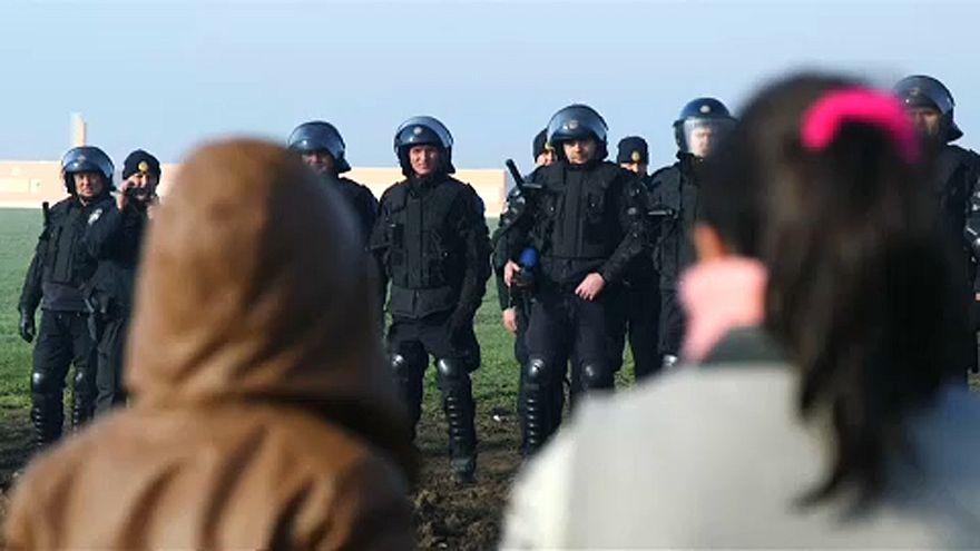 Menekültek tüntettek a horvát-szerb határnál
