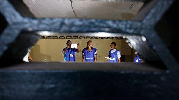 Λιβερία: Ζορζ Γουεά ή Τζόζεφ Μποακάι;
