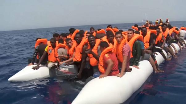 Migranti: salvati oltre 370 in 24 ore