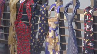 Krawatten-Protest im Kosovo