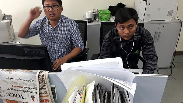 Myanmar'daki iki gazetecinin gözaltı süresi iki hafta daha uzatıldı