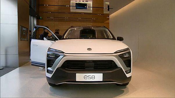 Cina: ecco il SUV elettrico con batterie a noleggio sostituibili