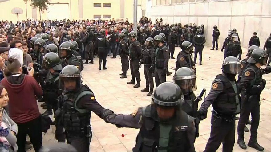 Catalogna: tornano a casa i poliziotti di Madrid