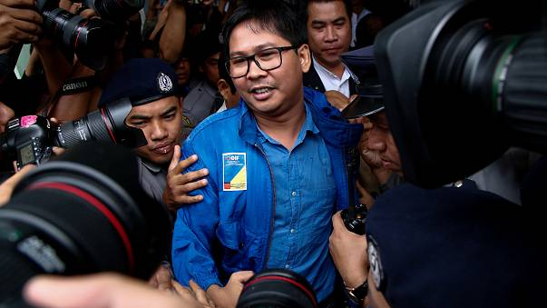 Deux journalistes birmans maintenus en détention