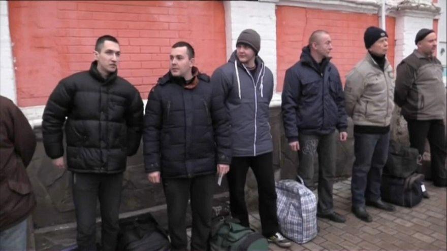 Ucraina: al via lo scambio di prigionieri