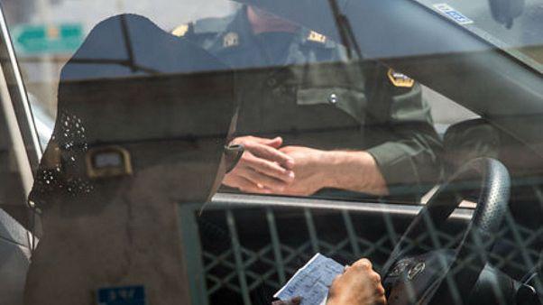 پلیس ایران؛ زنان بدحجاب از این پس بازداشت نمیشوند