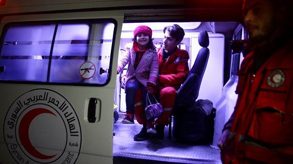 Συρία: Ελπίδα γεννούν οι πρώτες διακομιδές ασθενών από την ανατολική Γούτα