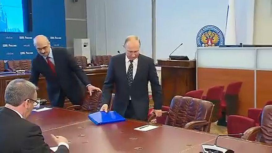 Az utolsó kavics is elgurult az útjából, Putyin hivatalosan is elnökjelölt