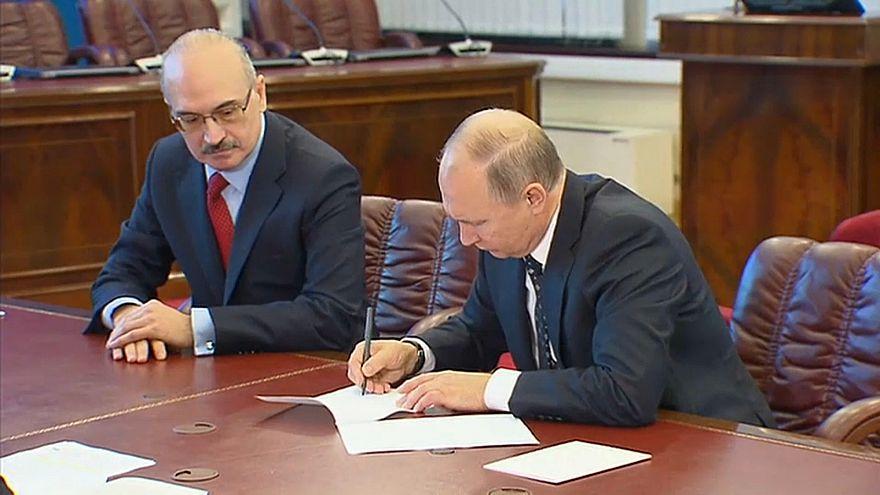 Vladimir Putin é candidato oficial à presidência russa