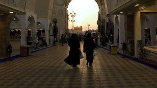 İslami örtünme kurallarını ihlal eden kadınların gözaltı korkusu bitti