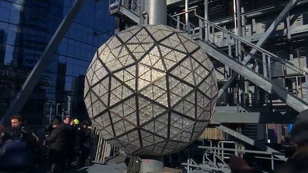 Ecco la Crystal Ball che accoglierà a Times Square il 2018!