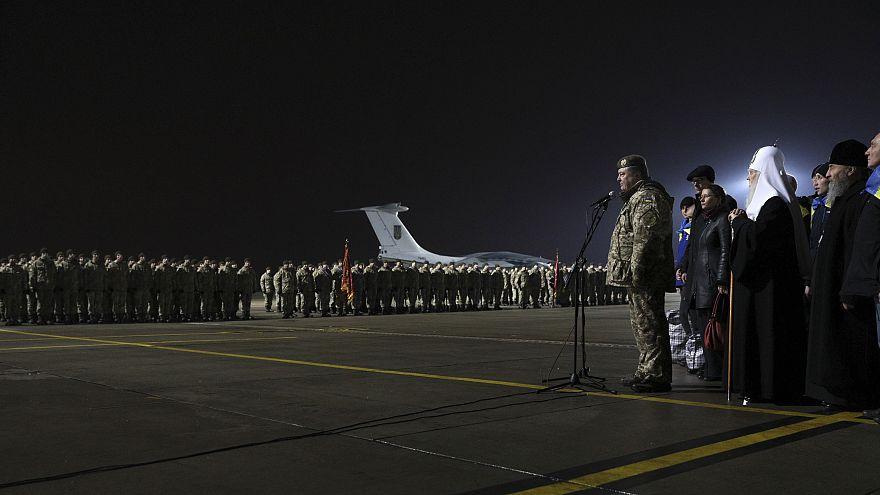 L'Ukraine et le Donbass accueillent leurs héros de guerre