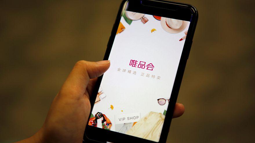 شحن عدة هواتف عن بعد من خلال تقنية لاسلكية حديثة