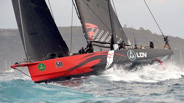 Comanche remporte la Sydney-Hobart sur tapis vert